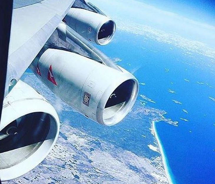 The Qantas Boeing 747-400 That Flew With A 5th (Spare) Engine Under Wing – Analysis