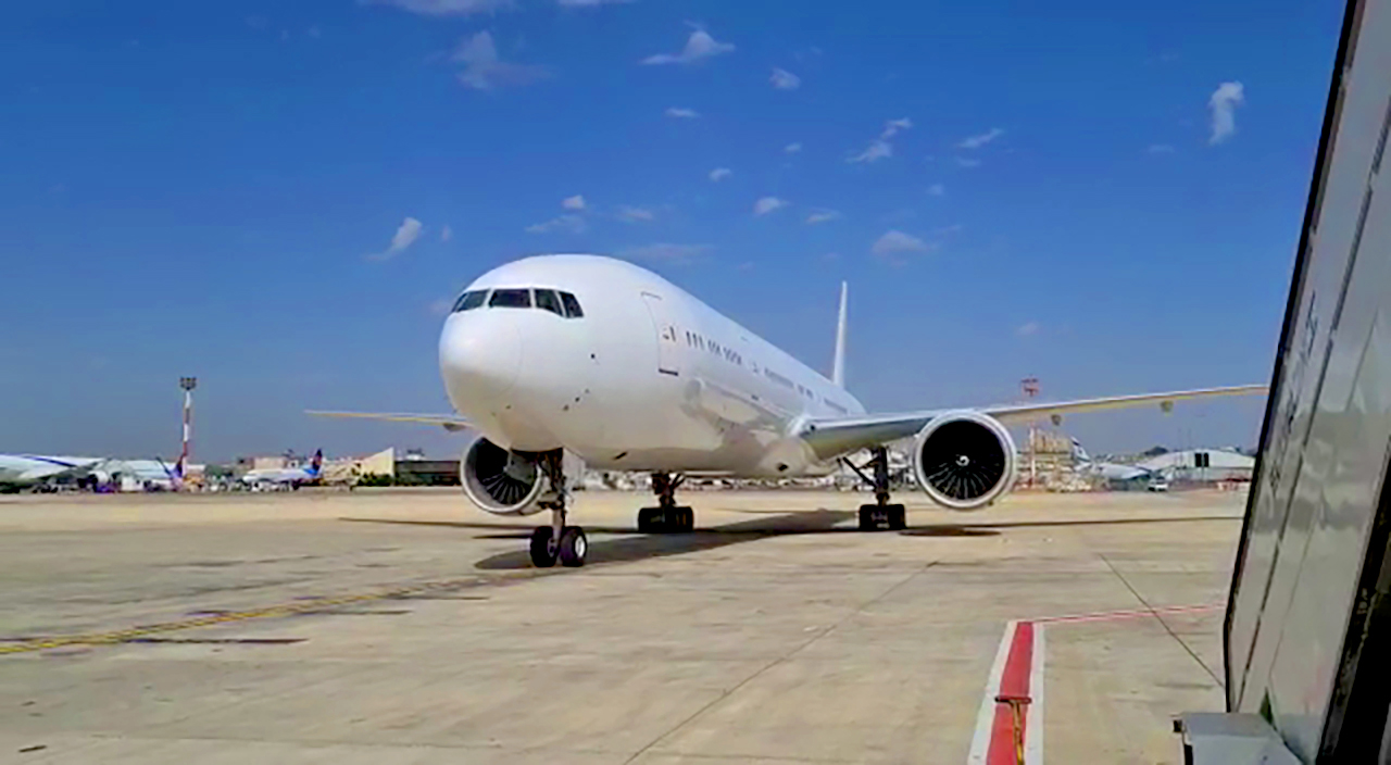 GECAS Delivers First Boeing 777-300ER Airframe To IAI For New Freighter Conversion Program