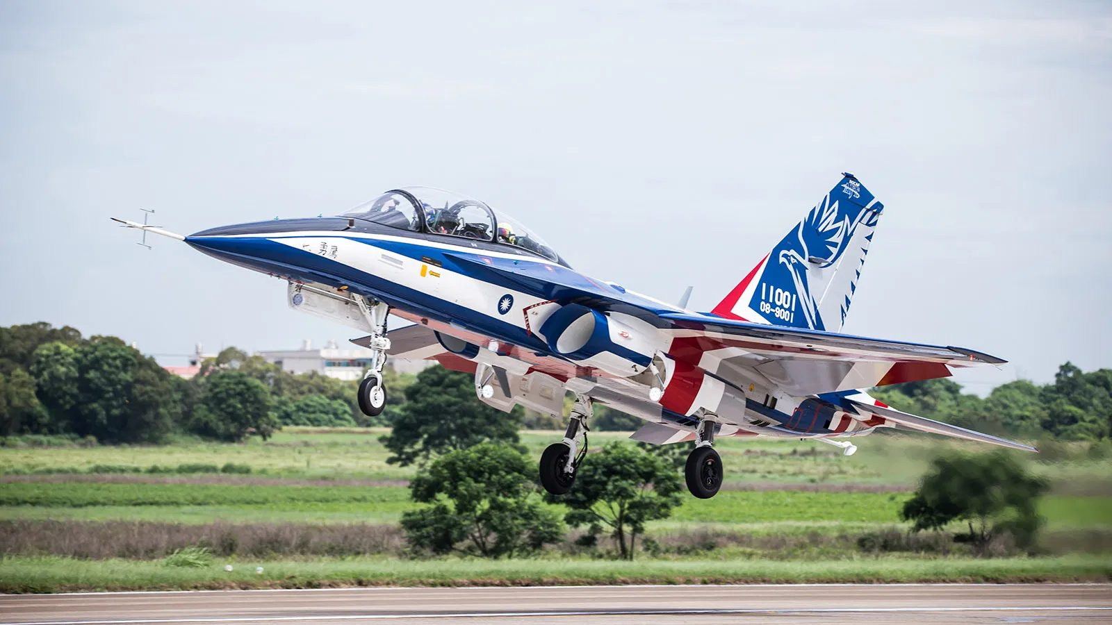 Taiwan's developped T-5 Brave Eagle Advanced Jet Trainer Conducts First Flight