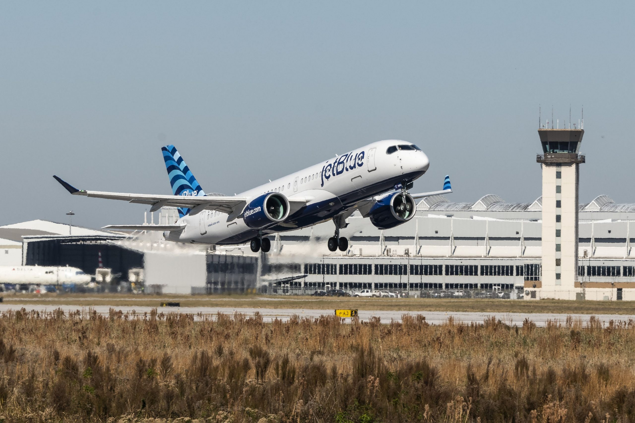 JetBlue Delivery Of First Airbus A220, Signals The End Of Embraer 190
